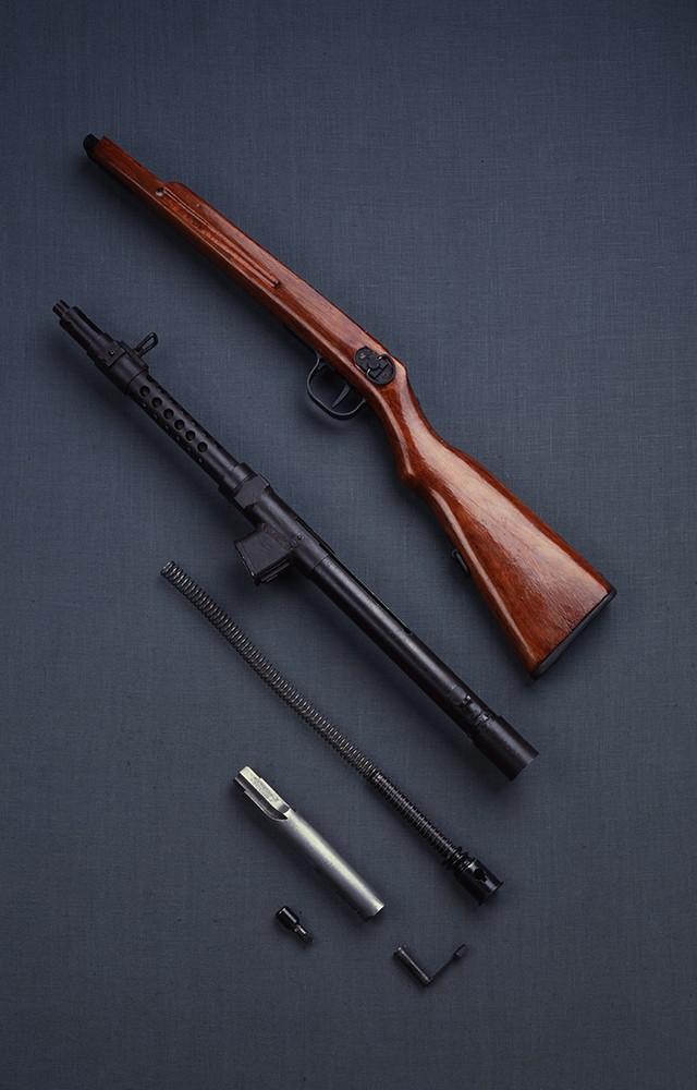 一〇〇式短機関銃